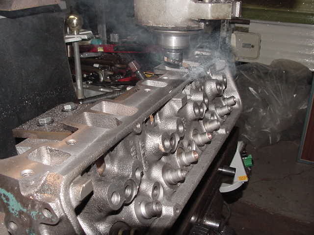 Head manifold side smoking